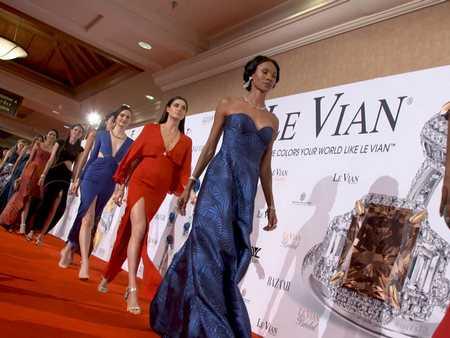 乐维安(Le Vian) No One Colors Your World Like 2017